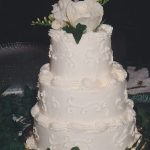 Cake with white roses